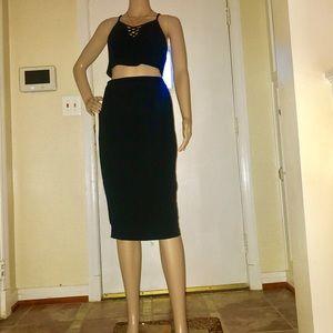 Dresses & Skirts - Women's Stretchy Black Midi Pencil Skirt- Medium